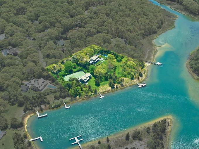 Einfamilienhaus for rentals at A Beautiful Waterfront Compound   Sag Harbor, New York 11963 Vereinigte Staaten
