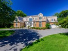 Single Family Home for  rentals at Estate Section Close To Beach 45 Meadowmere Pl Southampton, New York 11968 United States