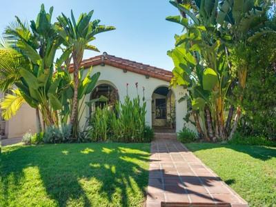 Moradia for sales at 171 North Vista Street   Los Angeles, Califórnia 90036 Estados Unidos