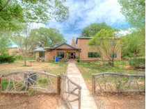 Nhà ở một gia đình for sales at County Road 142 Wonderland Compound.    Abiquiu, New Mexico 87510 Hoa Kỳ