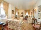 Condomínio for  sales at The Trafalgar House 188 East 70th Street Apt 19c   New York, Nova York 10021 Estados Unidos