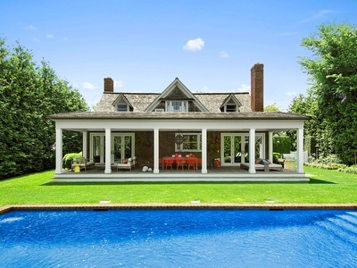 Einfamilienhaus for sales at Designer's Gem Southampton Village  Southampton, New York 11968 Vereinigte Staaten