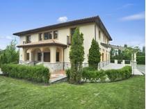 獨棟家庭住宅 for sales at Glorious Tuscan Villa in Sag Harbor    Sag Harbor, 紐約州 11963 美國