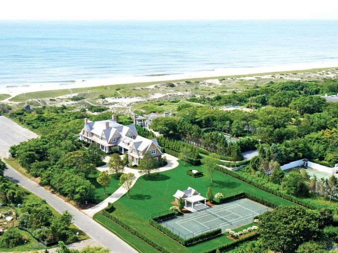 Maison unifamiliale for sales at East Hampton Oceanfront, Pool and Tennis 38 Two Mile Hollow Road   East Hampton, New York 11937 États-Unis