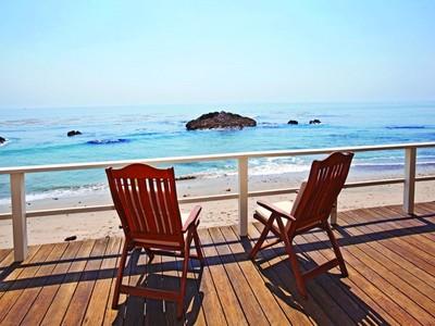Maison unifamiliale for rentals at Mid-Century Short Term Ocean View 24956 Malibu Road Malibu, Californie 90265 États-Unis