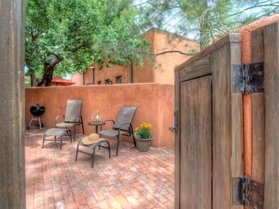 Maison unifamiliale for sales at 538, 538-1/2 and 532 Agua Fria   Santa Fe, New Mexico 87501 États-Unis