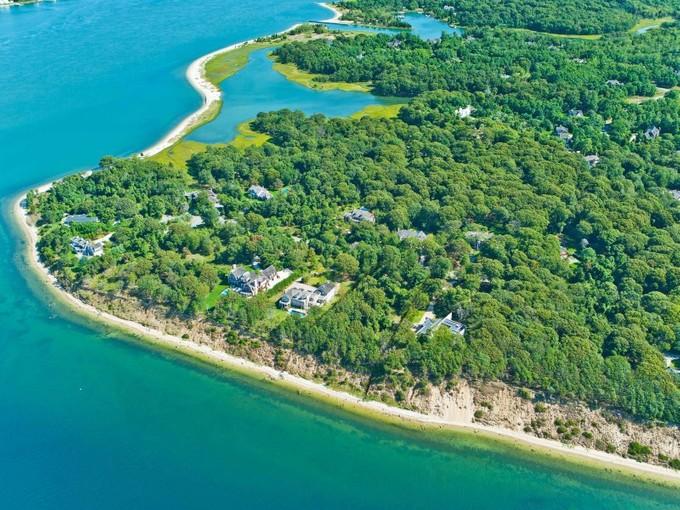 土地 for sales at Waterfront Sunsets Building Site    Sag Harbor, ニューヨーク 11963 アメリカ合衆国