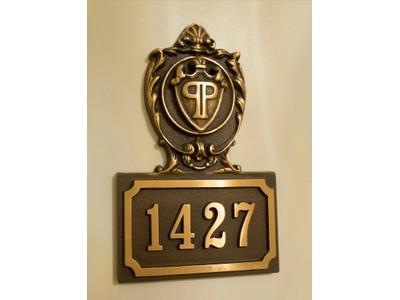 Eigentumswohnung for sales at Magnificent Hotel Suite 768 Fifth Avenue Apt 1427 New York, New York 10019 Vereinigte Staaten