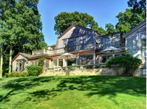 Villa for sales at East Hampton Harborfront 3 Breeze Hill Road   East Hampton, New York 11937 Stati Uniti