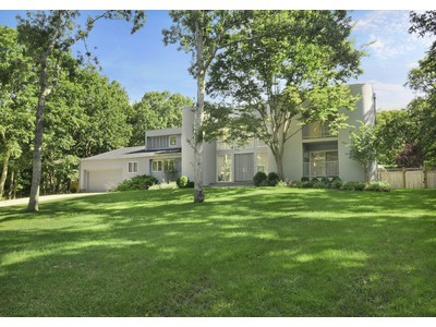 獨棟家庭住宅 for sales at Sag Harbor Spacious Home Pool & Tennis  Sag Harbor, 紐約州 11963 美國