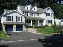 Частный односемейный дом for sales at In-Town Living 69 Mallard Drive   Greenwich, Коннектикут 06830 Соединенные Штаты