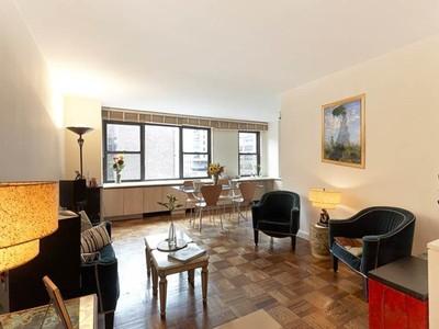 Cooperativa for sales at 201 East 25th Street #6DE  New York, Nova York 10010 Estados Unidos