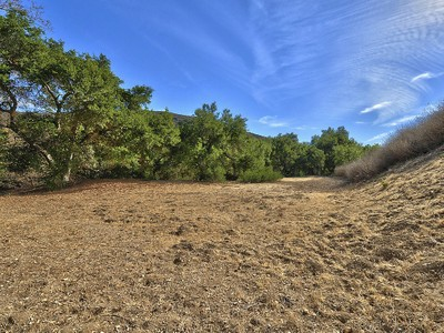 Land for sales at Approx. 15 Acres in North Ranch 3948 Skelton Canyon Circle Westlake Village, California 91362 United States