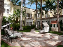Einfamilienhaus for sales at Historic Brazilian Court Hotel 301 Australian Ave Ru-232   Palm Beach, Florida 33480 Vereinigte Staaten