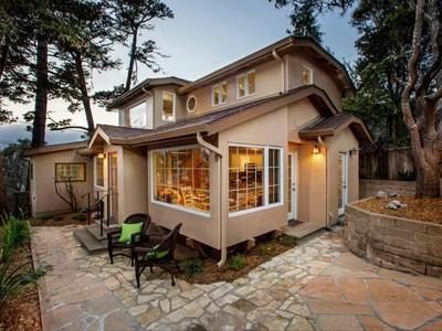 Casa para uma família for sales at Carmel Cozy and Enchanting 2nd Avenue And Lincoln, Ne Corner Carmel, Califórnia 93923 Estados Unidos