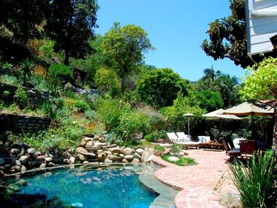 단독 가정 주택 for sales at Romantic Paradise 1531 Benedict Canyon Drive  Beverly Hills, 캘리포니아 90210 미국