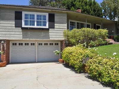 Частный односемейный дом for sales at Incredibly Charming Cheviot Hills Home 10359 Northvale Road Los Angeles, Калифорния 90064 Соединенные Штаты