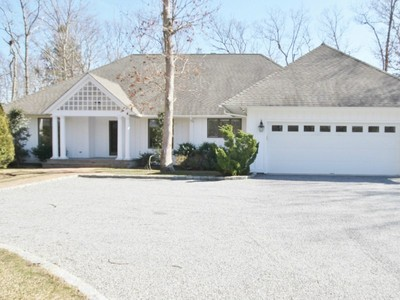 Nhà ở một gia đình for sales at Southampton - Like New  Southampton, New York 11968 Hoa Kỳ