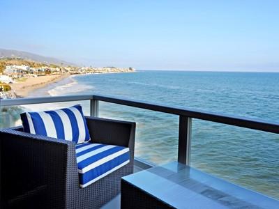 Частный односемейный дом for rentals at Fully Furnished Lease on Colony Beach 23952 Malibu Road Malibu, Калифорния 90265 Соединенные Штаты