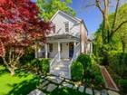 Casa para uma família for sales at Quintessential Sag Harbor Cottage  Sag Harbor, Nova York 11963 Estados Unidos
