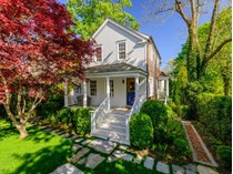 獨棟家庭住宅 for sales at Quintessential Sag Harbor Cottage    Sag Harbor, 紐約州 11963 美國