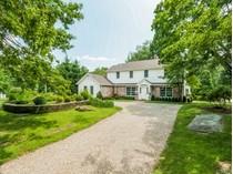 Частный односемейный дом for sales at In-Town Country Life    Greenwich, Коннектикут 06831 Соединенные Штаты