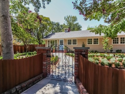 Maison unifamiliale for sales at Stylish Town and Country Living 805 Michael Drive Sonoma, Californie 95476 États-Unis