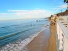 Vivienda multifamiliar for  sales at Malibu Beach Front Triplex    Malibu, California 90265 Estados Unidos