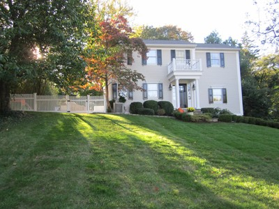 Casa para uma família for sales at Perfection Close to Beach and Town 83 Fitch Avenue  Darien, Connecticut 06820 Estados Unidos