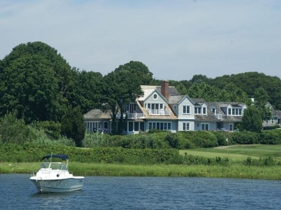 Maison unifamiliale for sales at Rare Offering! 183-191 Bay St Osterville, Massachusetts 02655 États-Unis