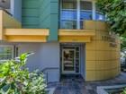 콘도미니엄 for  rentals at Beautiful Town Home 1601 Bentley Avenue Unit 201 Los Angeles, 캘리포니아 90025 미국