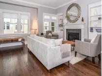 共管式独立产权公寓 for sales at Sophisticated Living 69 Riverdale Avenue, Unit 205   Greenwich, 康涅狄格州 06831 美国
