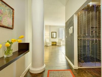 共管物業 for sales at Tranquil TriBeCa Loft 395 Broadway Apt 8d New York, 紐約州 10013 美國