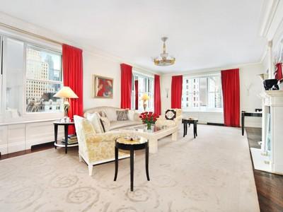 Cooperativa for sales at 781 Fifth Avenue, The Sherry-Netherland 781 Fifth Avenue Apt 905  New York, Nueva York 10022 Estados Unidos