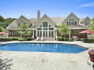 Casa para uma família for sales at Manor Home, 2.8 +/- Acres Bridgehampton  Bridgehampton, Nova York 11932 Estados Unidos