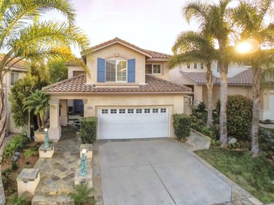 Vivienda unifamiliar for sales at Gated Eagle Ridge Pool Home   Thousand Oaks, California 91362 Estados Unidos