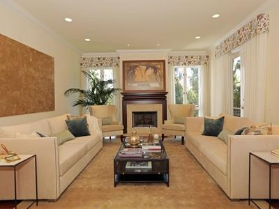 Appartement en copropriété for sales at 10128 Empyrean Way #201  Los Angeles, Californie 90067 États-Unis