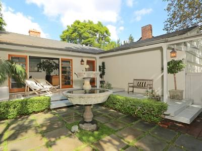 独户住宅 for sales at 11363 Waterford Street   Los Angeles, 加利福尼亚州 90049 美国