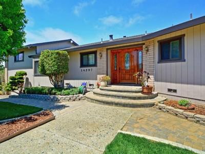 Vivienda unifamiliar for sales at 14597 Charter Oak   Salinas, California 93907 Estados Unidos