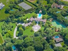 Villa for  sales at Exquisite Estate with Pool & Tennis 221 Church Lane Bridgehampton, New York 11932 Stati Uniti