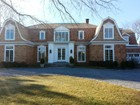 Maison unifamiliale for  rentals at Estate Section Close To Beach  Southampton, New York 11968 États-Unis