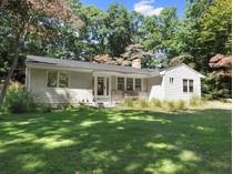 独户住宅 for sales at Cottage Near the Bay    East Hampton, 纽约州 11937 美国