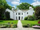 Nhà ở một gia đình for sales at Quintessential New England    Greenwich, Connecticut 06831 Hoa Kỳ