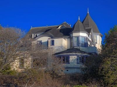 Moradia for sales at Magnificent Collectible Ocean Victorian 924 3rd Street Santa Cruz, Califórnia 95060 Estados Unidos
