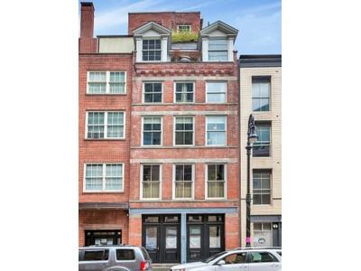 Частный односемейный дом for sales at Town & Country 134 Beekman Street  New York, Нью-Мексико 10038 Соединенные Штаты