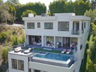 Casa Unifamiliar for  sales at Custom Built Home With View In Bel Air    Los Angeles, California 90077 Estados Unidos
