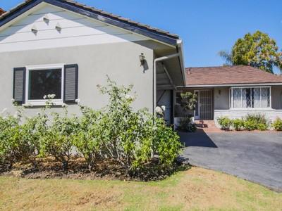 단독 가정 주택 for sales at Amazing Opportunity Beverly Hills Flats   Beverly Hills, 캘리포니아 90211 미국