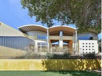 단독 가정 주택 for sales at Upper Lucas Valley Modern 20 Westgate Dr   San Rafael, 캘리포니아 94903 미국