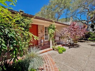 Casa para uma família for sales at Story Book Charm in Carmel Perry Newberry Way, 2 Nw Of 6th Carmel By The Sea, Califórnia 93921 Estados Unidos
