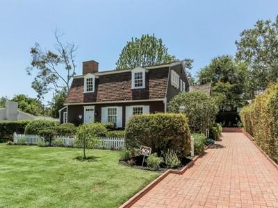 Maison unifamiliale for sales at 139 Veteran Avenue  Los Angeles, Californie 90024 États-Unis